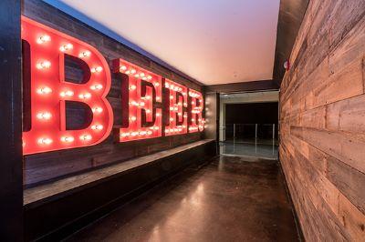 Bars & Restaurants | American Airlines Center